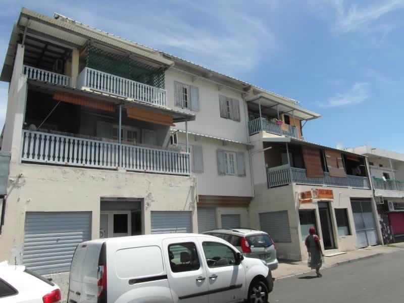 Sale building Le port 540800€ - Picture 2