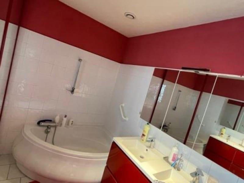 Vente maison / villa Bron 598500€ - Photo 13