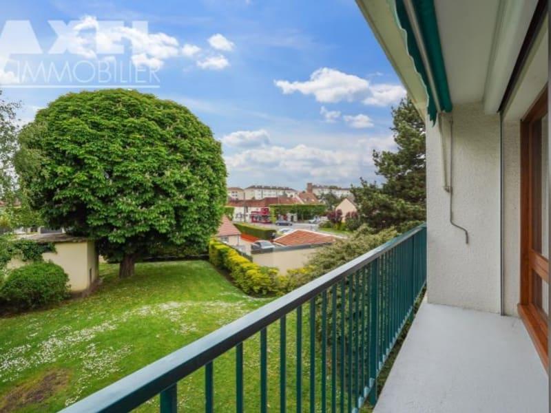 Sale apartment Bois d arcy 210000€ - Picture 2