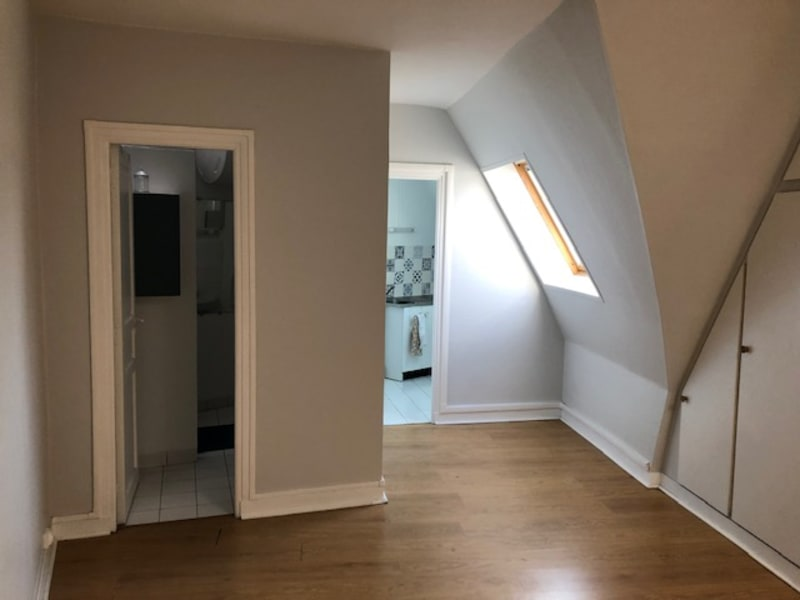Location appartement Paris 9ème 830,50€ CC - Photo 3