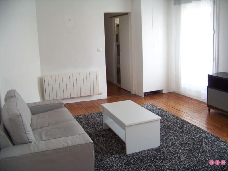Location appartement Asnieres sur seine 1150€ CC - Photo 1