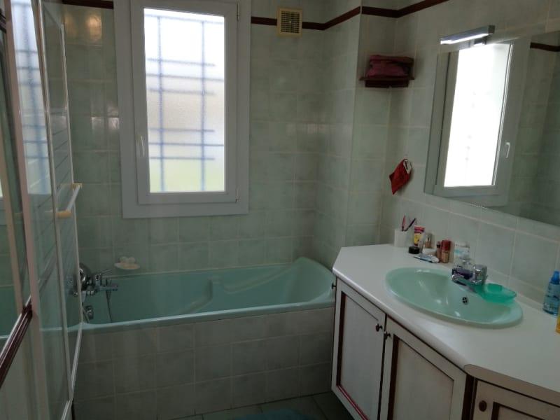 Sale house / villa Aiffres 176000€ - Picture 6