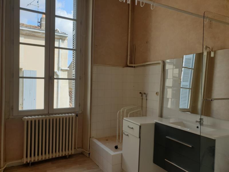 Location appartement St maixent l ecole 420€ CC - Photo 2