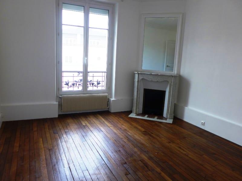 Rental apartment Garches 1340€ CC - Picture 2