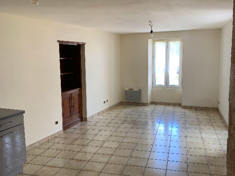 Rental apartment Saint gelais 466€ CC - Picture 2