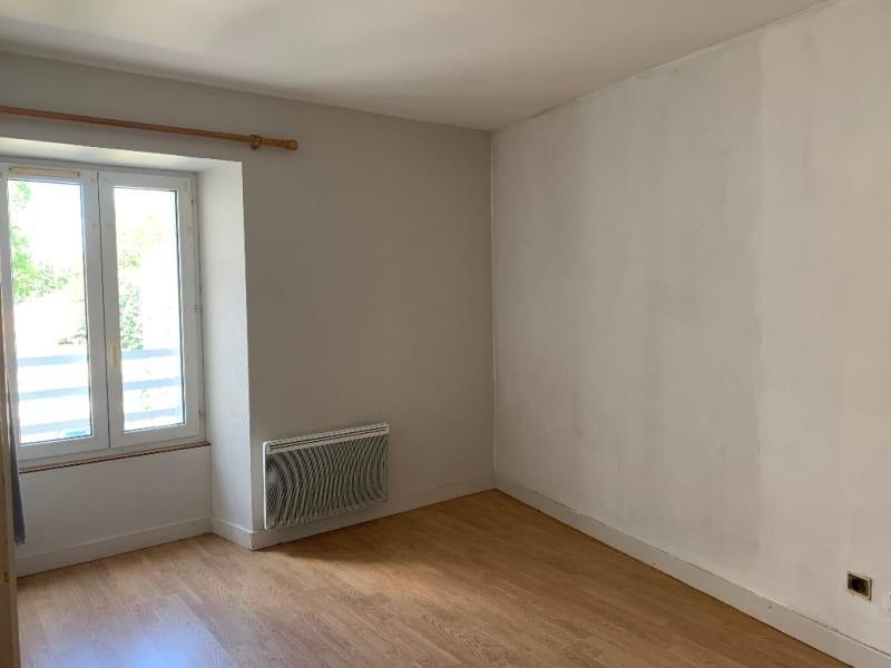 Rental apartment Saint gelais 466€ CC - Picture 3