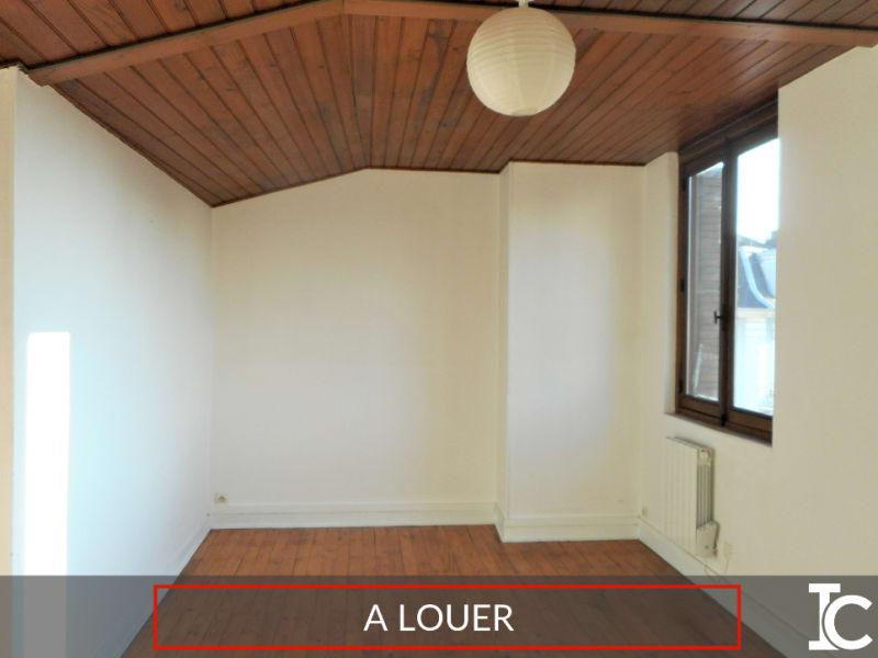 Rental apartment Voiron 296€ CC - Picture 1