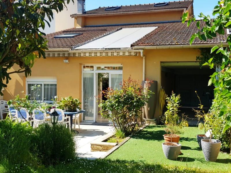 Sale house / villa Livry gargan 520000€ - Picture 1