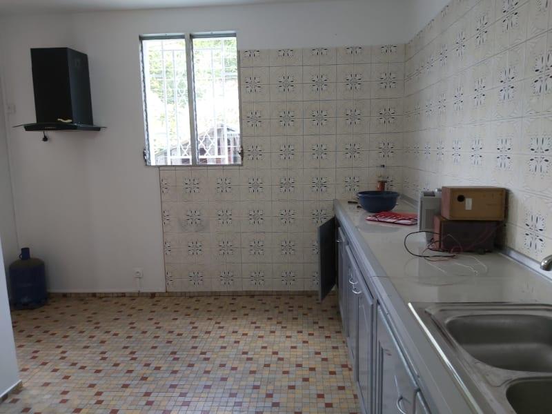 Location maison / villa Les abymes 1200€ CC - Photo 3