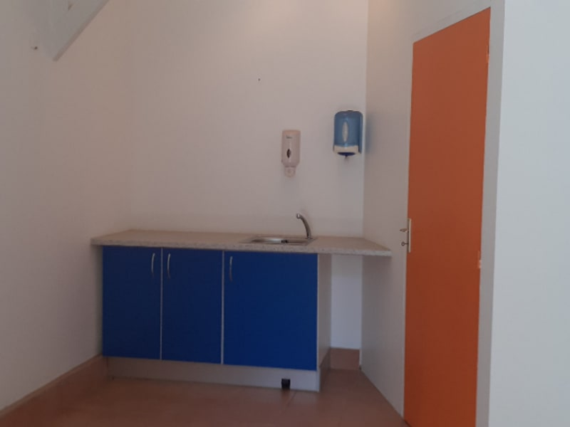 Location local commercial Pointe a pitre 415€ HC - Photo 2