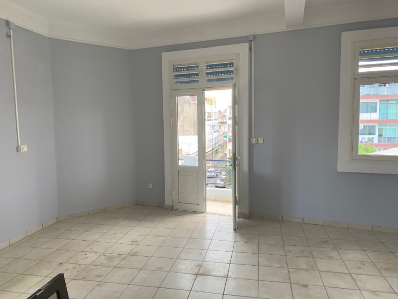 Location local commercial Pointe a pitre 1200€ HC - Photo 6