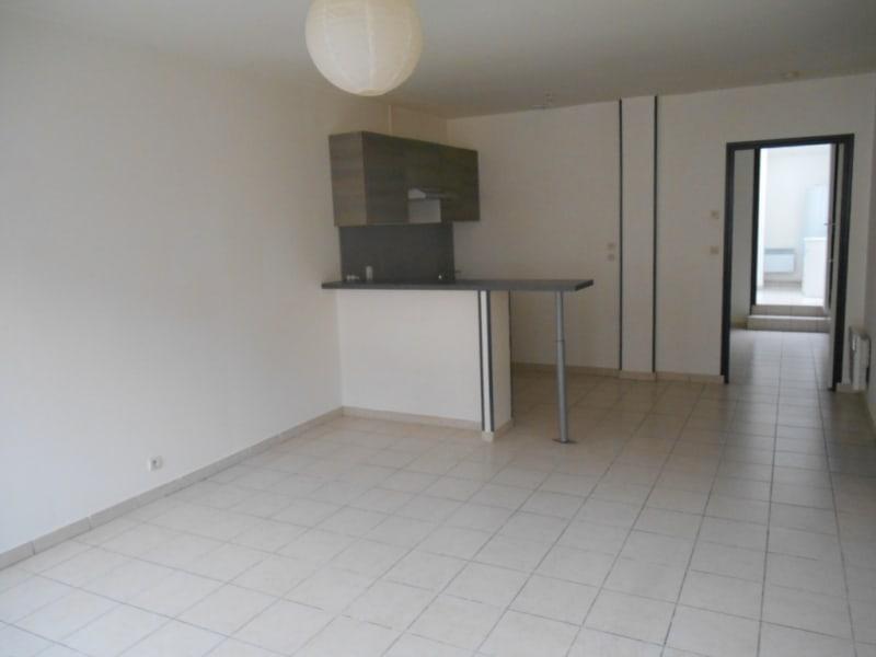 Rental apartment Saint quentin 395€ CC - Picture 1