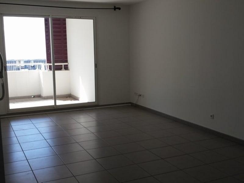 Location appartement Ste clotilde 622€ CC - Photo 2