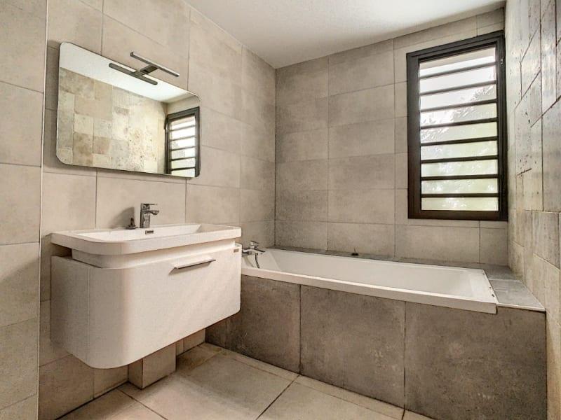 Rental apartment Saint pierre 1100€ CC - Picture 5