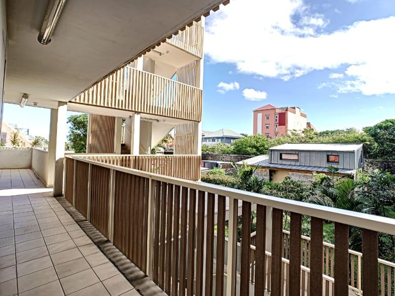 Rental apartment Saint pierre 1100€ CC - Picture 10