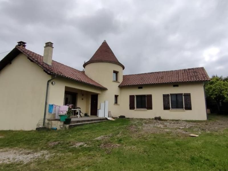 Sale house / villa Riberac 235000€ - Picture 1