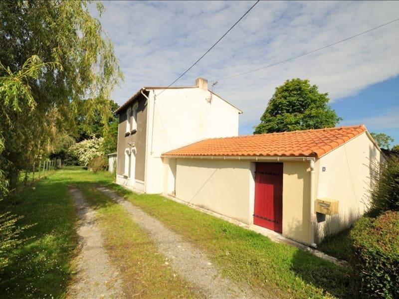 Sale house / villa Vue 241000€ - Picture 1