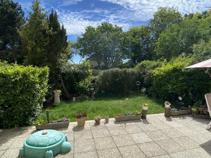Sale apartment Montigny-le-bretonneux 241500€ - Picture 1