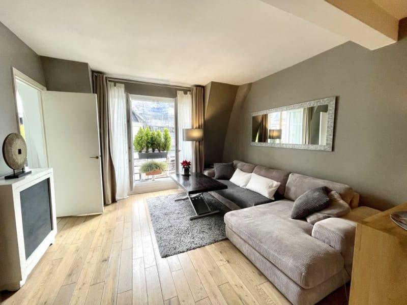 Location appartement Paris 17ème 1390€ CC - Photo 1