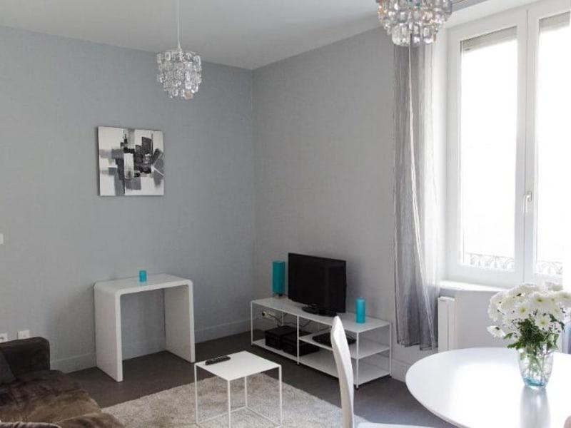 Sale apartment Lyon 3ème 279500€ - Picture 2