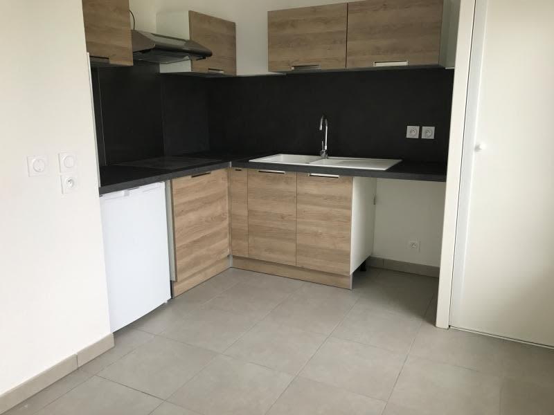Rental apartment Begles 759€ CC - Picture 2