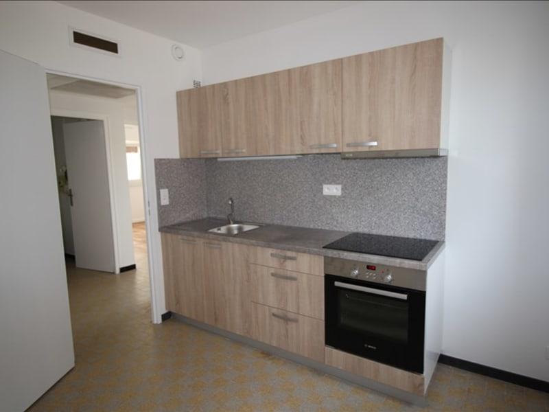 Rental apartment Saint pierre en faucigny 635€ CC - Picture 2