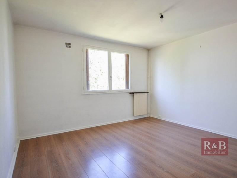 Sale apartment Les clayes sous bois 151500€ - Picture 2