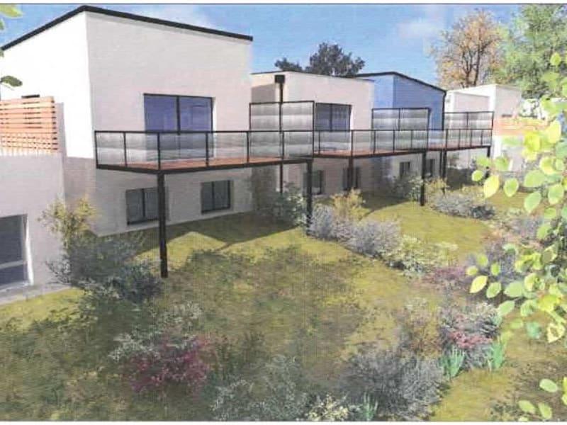 Sale house / villa Montreuil juigne 276500€ - Picture 2