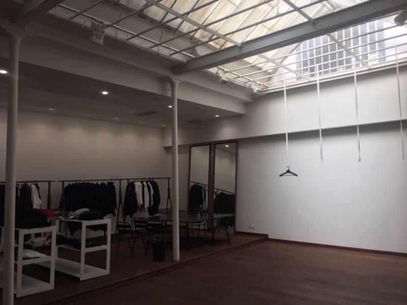 Rental empty room/storage Paris 2ème 10250€ CC - Picture 3