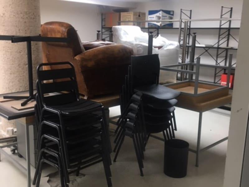 Rental empty room/storage Paris 2ème 10250€ CC - Picture 8