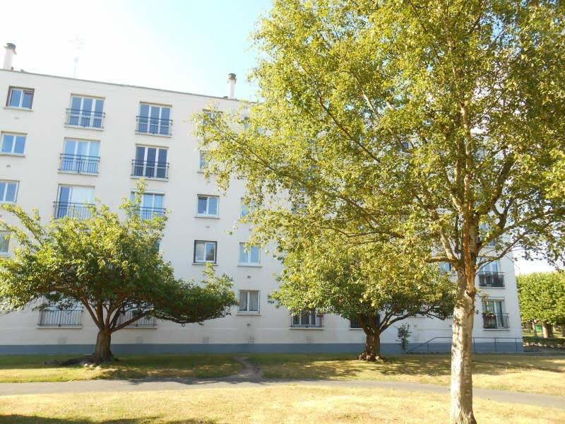 Rental apartment Poissy 770€ CC - Picture 1
