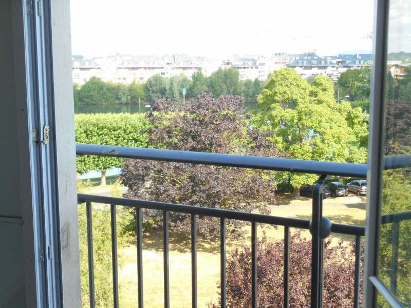 Rental apartment Poissy 770€ CC - Picture 2