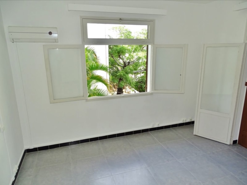 Rental apartment Saint denis 1000€ CC - Picture 2