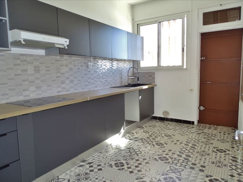Rental apartment Saint denis 1000€ CC - Picture 5