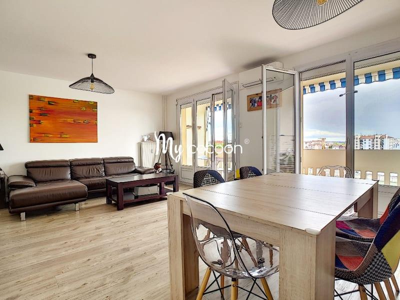 Sale apartment Lyon 3ème 390000€ - Picture 2