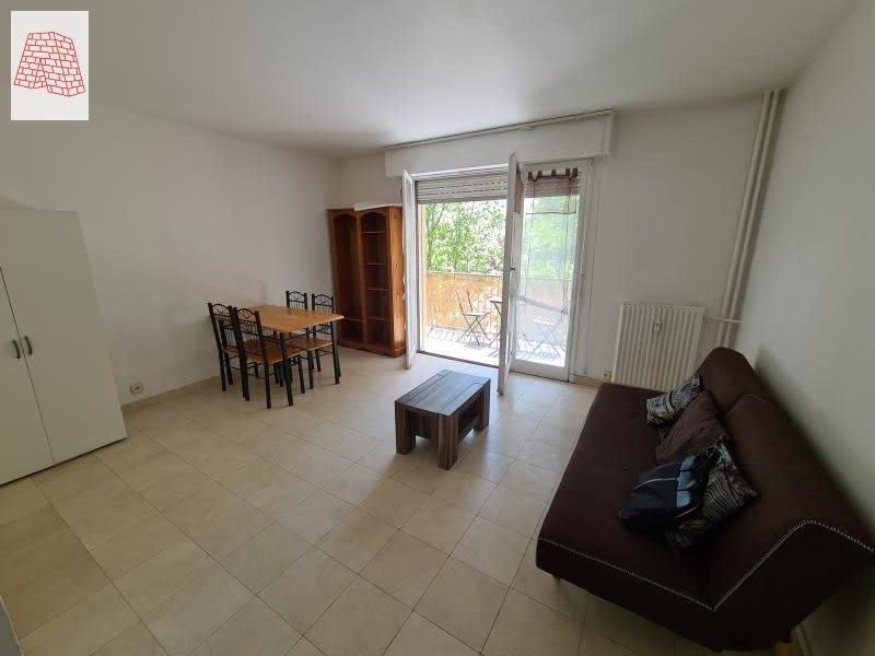 Location appartement Courbevoie 890€ CC - Photo 3