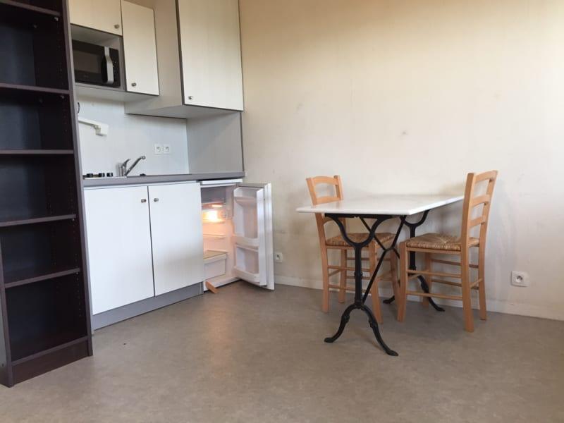 Location appartement La rochelle 485€ CC - Photo 1