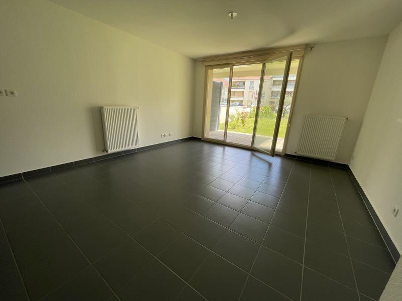Rental apartment Rambouillet 820€ CC - Picture 1