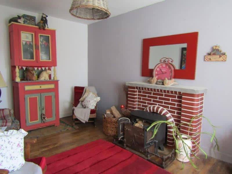 Sale house / villa Mael carhaix 107000€ - Picture 3