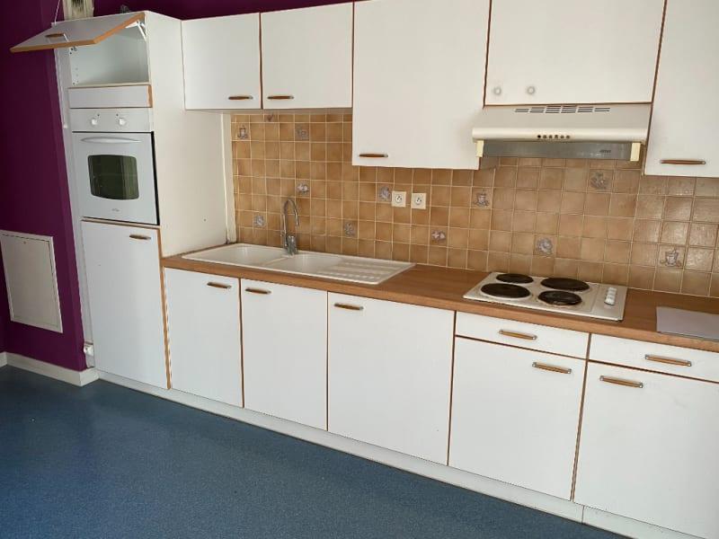 Rental apartment Armentieres 780€ CC - Picture 3