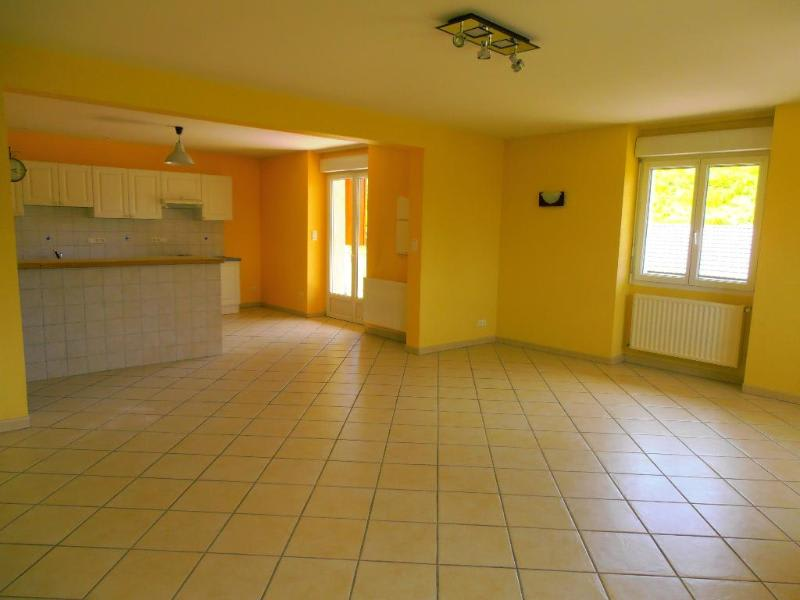 Rental apartment Vieu d izenave 658€ CC - Picture 1
