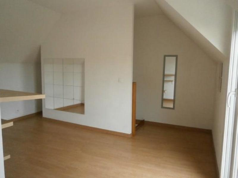 Rental apartment Vaux le penil 555€ CC - Picture 3