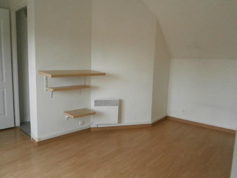 Rental apartment Vaux le penil 555€ CC - Picture 4
