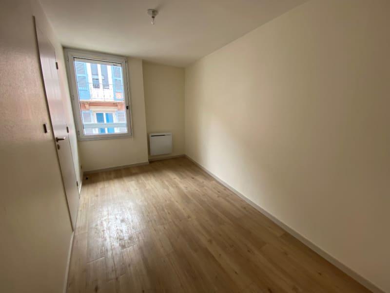Rental apartment Voiron 380€ CC - Picture 2