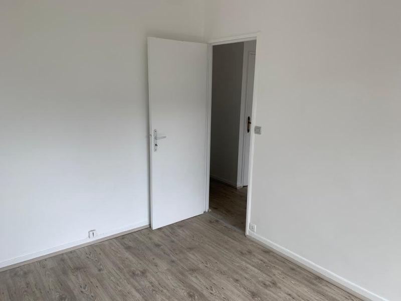 Location appartement Paris 18ème 1190€ CC - Photo 2