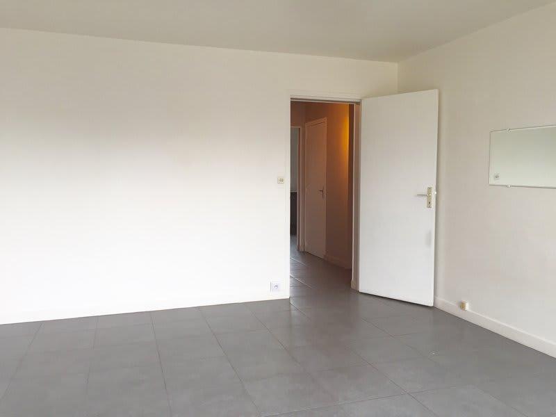 Location appartement Caen 572€ CC - Photo 3