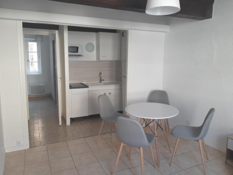 Location appartement Villefranche 398€ CC - Photo 1
