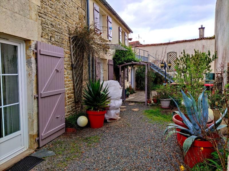 Vente maison / villa Fontenay le comte 154640€ - Photo 1