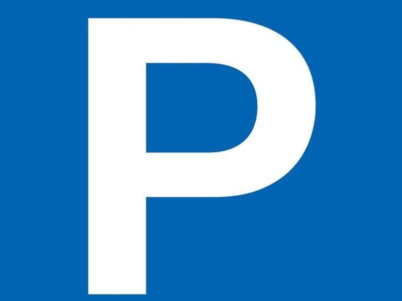 Rental parking spaces Paris 17ème 180€ CC - Picture 1