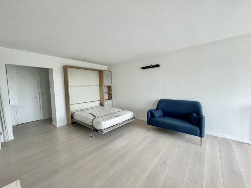 Location appartement Paris 17ème 1450€ CC - Photo 2